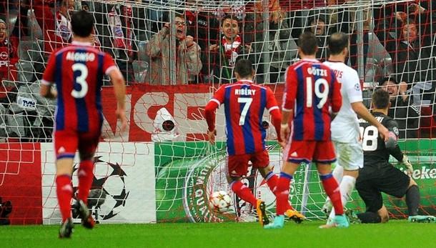 Champions: Bayern batte Roma 2-0