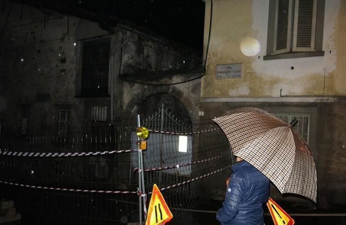 Edificio pericolante in via Tasso a Clusone