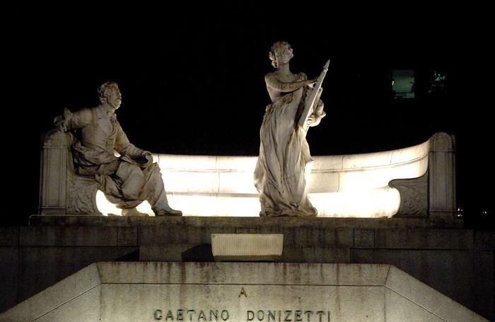 Il monumento a Gaetano Donizetti a Bergamo