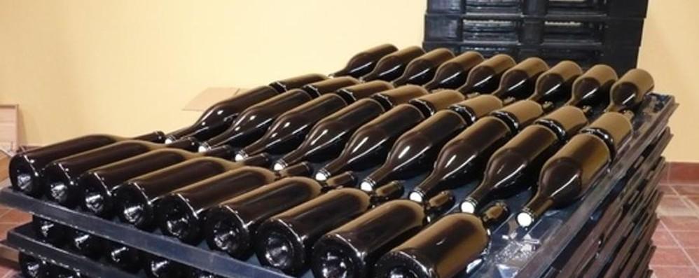 Irregolarità nella documentazione Sequestrate 700 bottiglie di vino