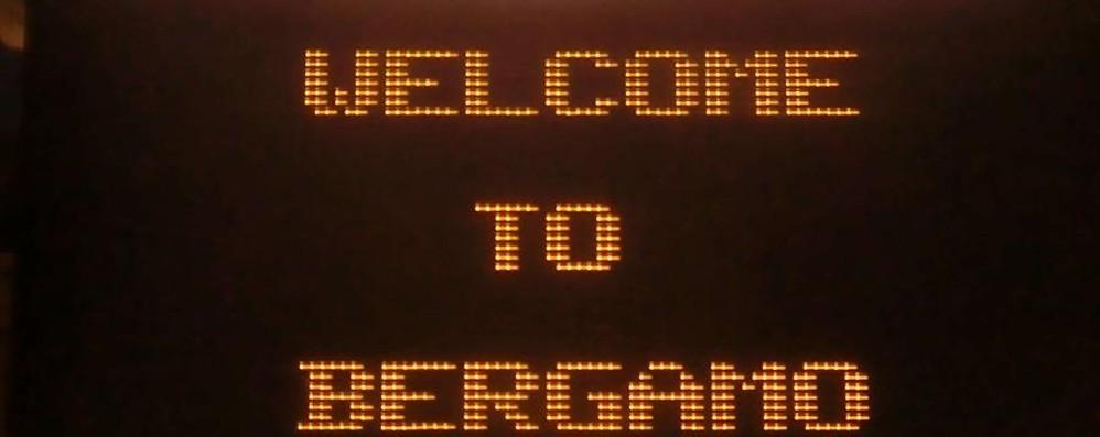 Da «Bèrghem» al « Welcome to» «E i visitatori che arrivano dall'Italia?»