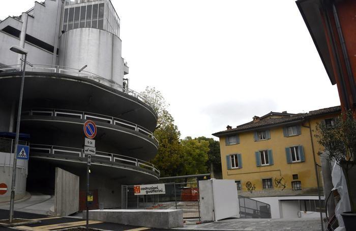 L'area dell'ex cinema Apollo: create 46 autorimesse private