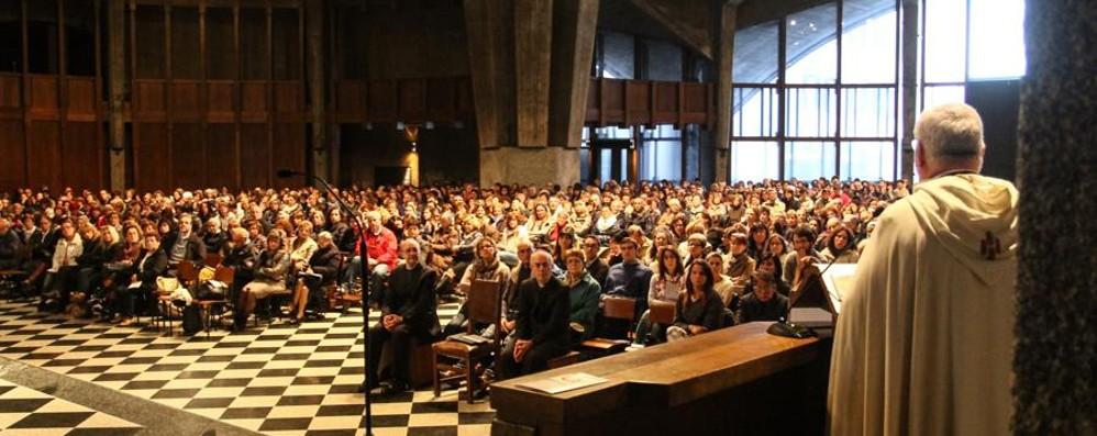 Il vescovo Beschi ai mille catechisti: «Non siate un'élite ma una comunità»