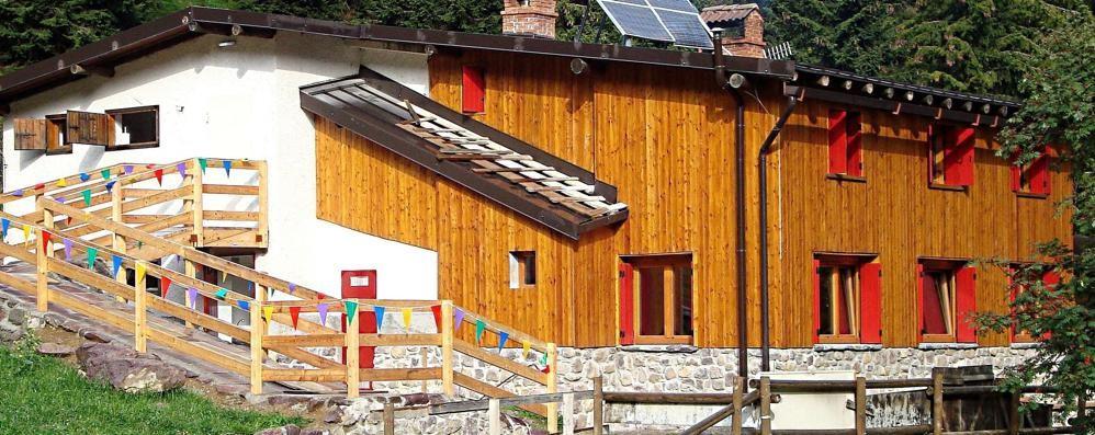 Ladri in azione anche a 1.400 metri Razziato il rifugio Alpe Corte