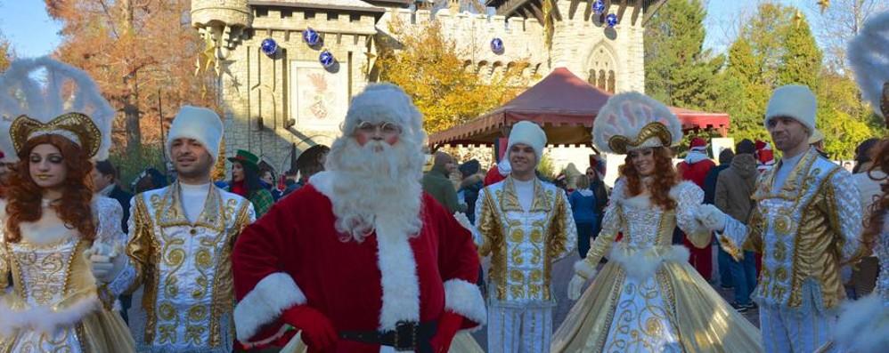 Gardaland  Magic Winter Un'invasione di Babbi Natale