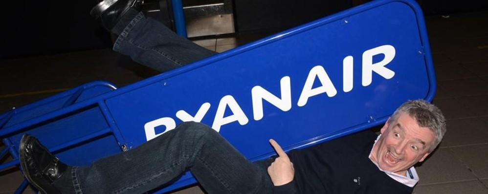 Ryanair, O'Leary rifà ancora il look e strizza l'occhio al modello Easyjet