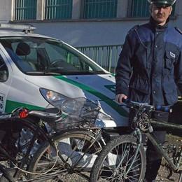 Arraffano bici per setacciare il paese  Scoperti a Bariano, fuggono... a piedi