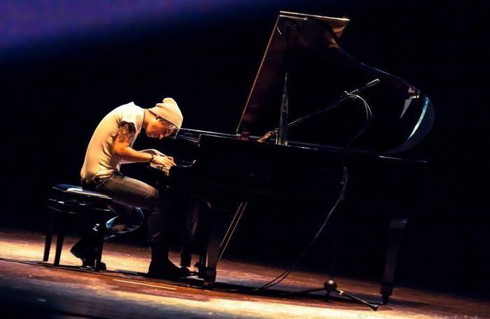 Il pianista Davide Locatelli