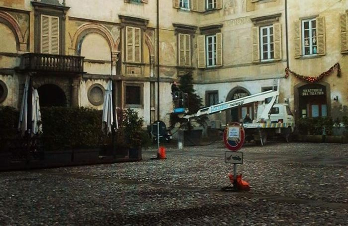Piazza Mascheroni per la prima volta senza auto
