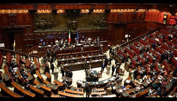 Mafia Roma: alta tensione alla Camera
