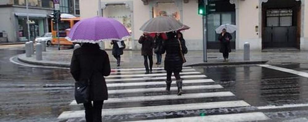 Meteo, dal freddo pungente alla pioggia Nel weekend non dimenticate l'ombrello