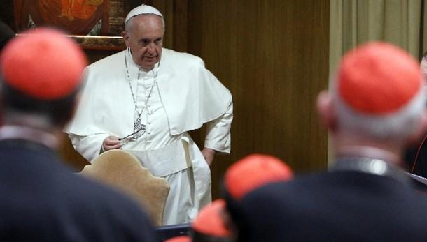Papa:14/15 febbraio concistoro cardinali