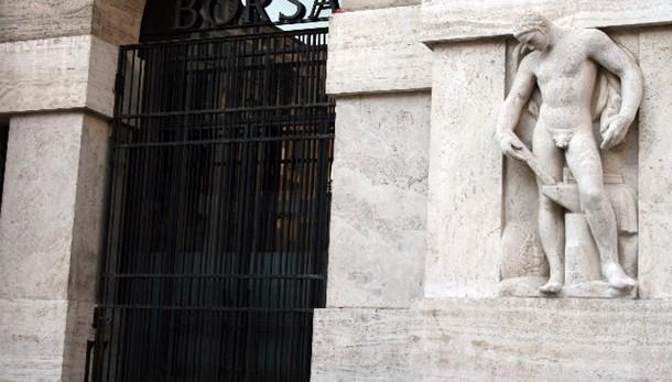 Borsa Milano apre in ribasso (-0,89%)