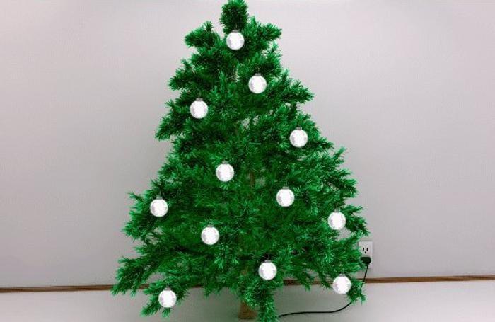 Luci wireless in arrivo per l'albero di Natale
