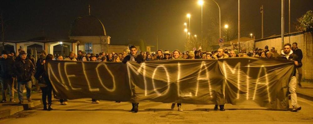 Da Cividate: «Nèlo, mòla mia» In 400 al corteo: «Basta violenza»