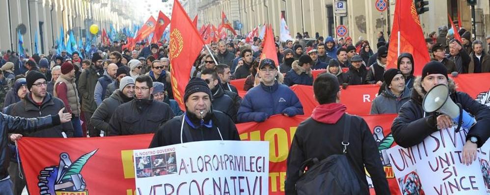 Sciopero, 2.000 da Bergamo a Milano Adesioni tra il 55 e l'80% in molte aziende