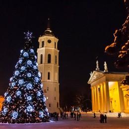 Bianco Natale in Lituania A Vilnius atmosfere da fiaba