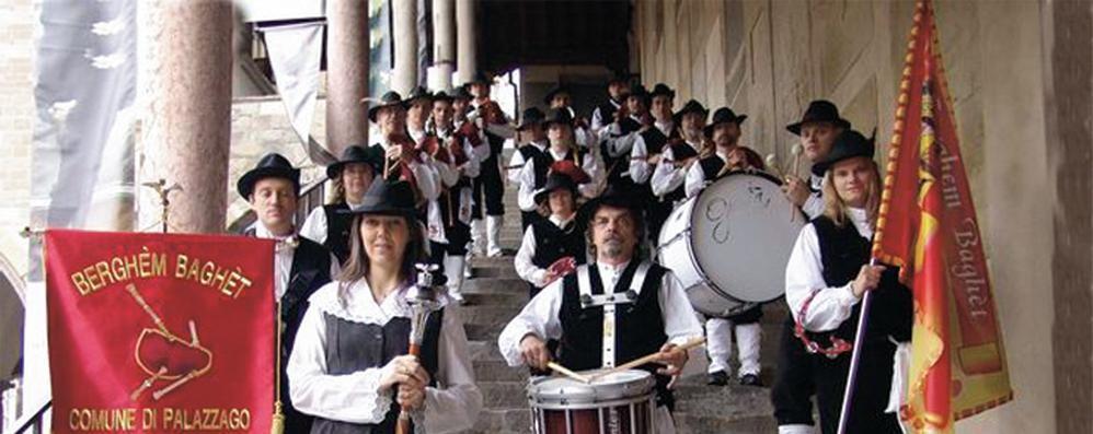 Le cornamuse invadono l'ospedale Concerto in Hospital Street