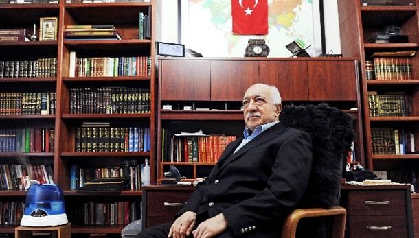 Turchia: mandato d'arresto per Gulen