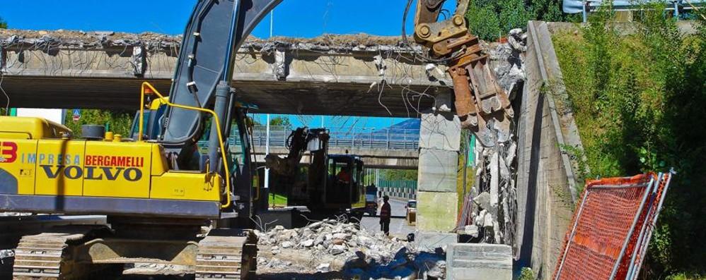 I lavori al ponte partiranno dopo un anno «È normale tutto questo? In Italia sì»