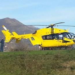Uomo ferito cadendo da un albero Soccorso alpino in azione a Peia
