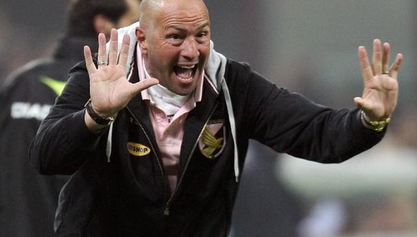 Calcio: Cagliari, ora Zenga in pole