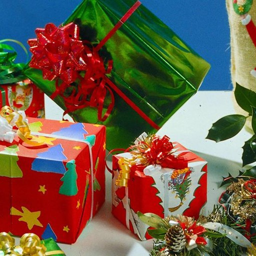 Regali Di Natale Groupon.I Regali Inutili A Natale Ecco Dove Rivenderli Costume E