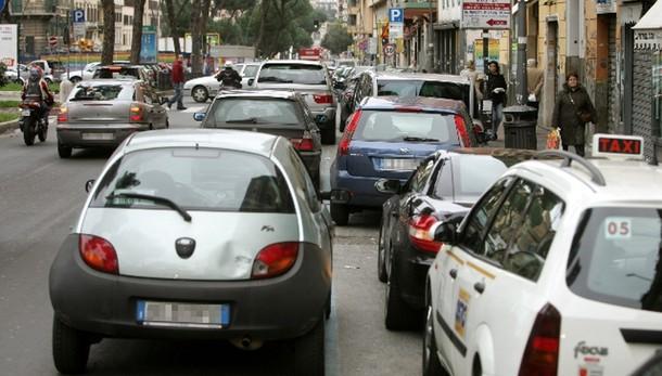 Parcheggi e traffico turbano più di smog