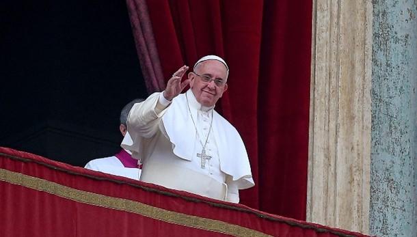 Papa: prega per bambini uccisi e abusati