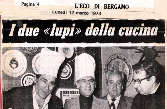 Alberto Lupo con Pino Capozzi; il primo sulla destra è Luigi Veronelli