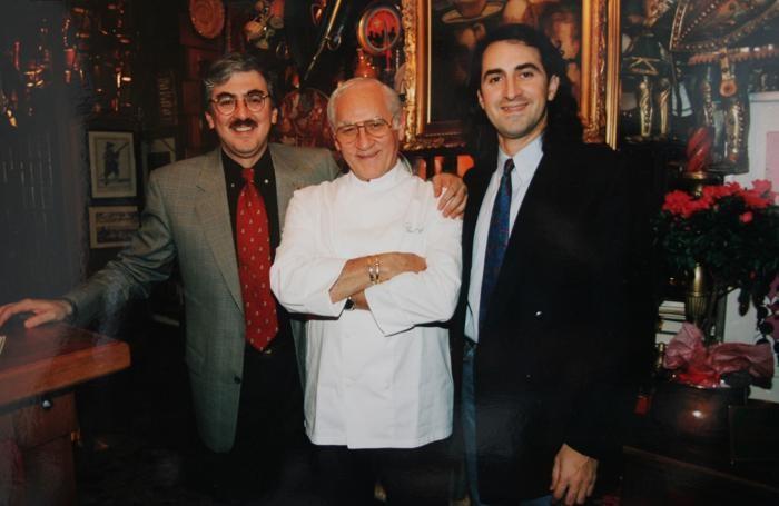 Pino Capozzi con i figli Pier Carlo (a sinistra) e Massimo (a destra)