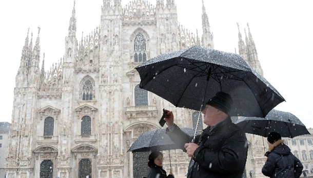 Maltempo: arrivato inverno,neve a Milano