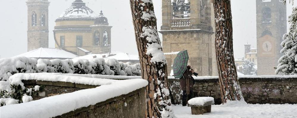 Prepariamoci alla neve anche a Bergamo La  Protezione civile: attenzione alle strade