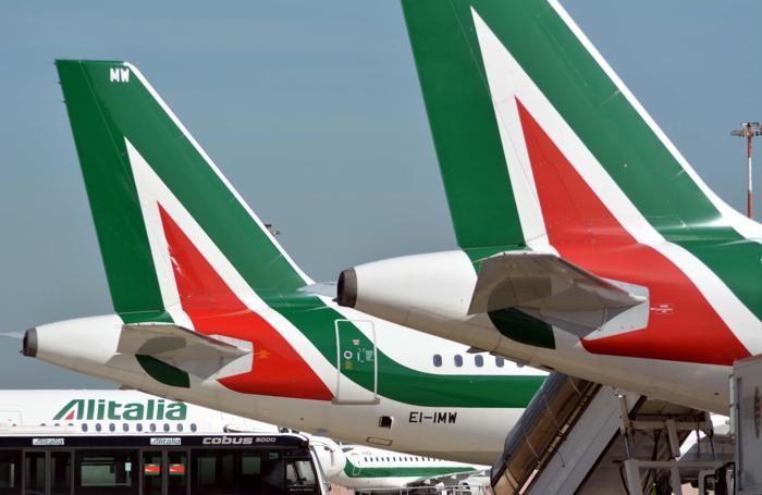 Aerei Alitalia all'aeroporto di Fiumicino i ANSA/TELENEWS