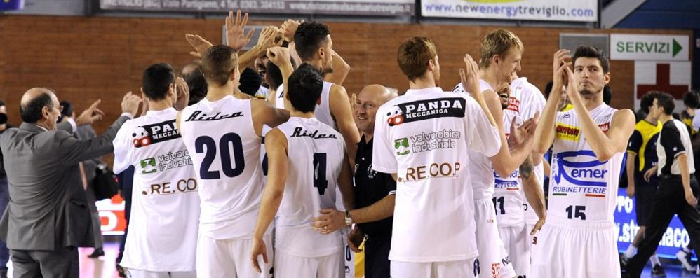 Basket, Remer e Comark festanti Stop alle temute Recanati e Udine