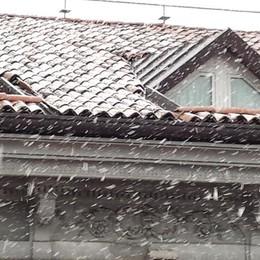 Neve a Bergamo il 27 dicembre: le prime fotografie