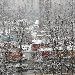 Neve al piazzale Alpini foto di Roberto