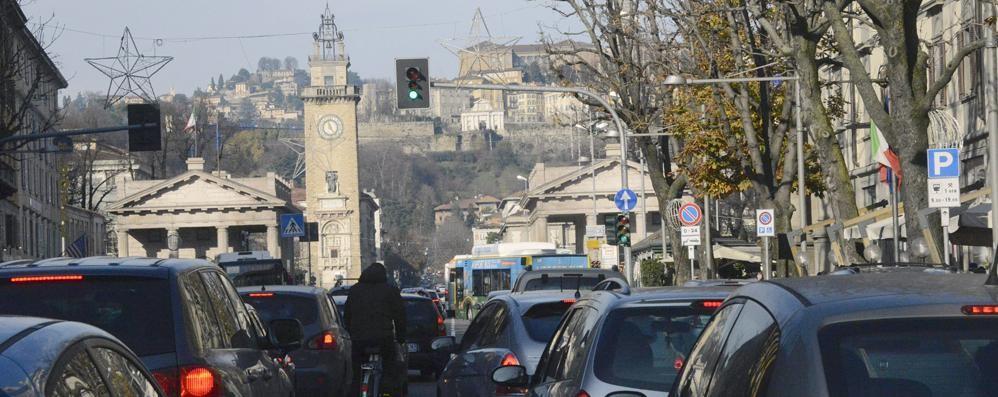I vent'anni di (im)mobilità di una città ferma in coda
