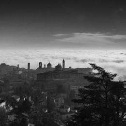 Foto di Città Alta dal titolo «Up» di Alfredo Radaelli