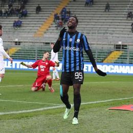 L'esultanza di Boake dopo il secondo gol