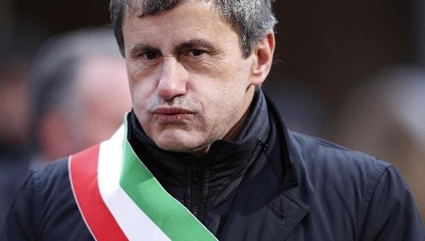 Mafia: Alemanno, mi autosospendo in Fdi