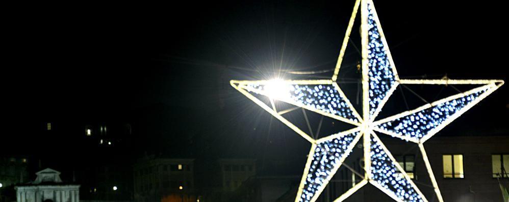 Si accendono le luminarie: guarda le foto E Bergamo by night si fa di stelle
