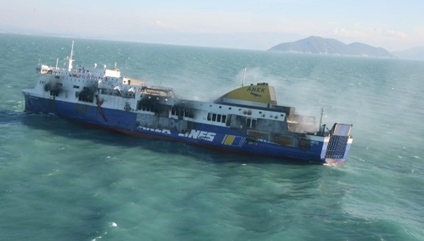 Traghetto: moglie disperso, è in Albania