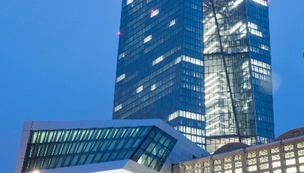 Bce: lascia tassi invariati a 0,05%