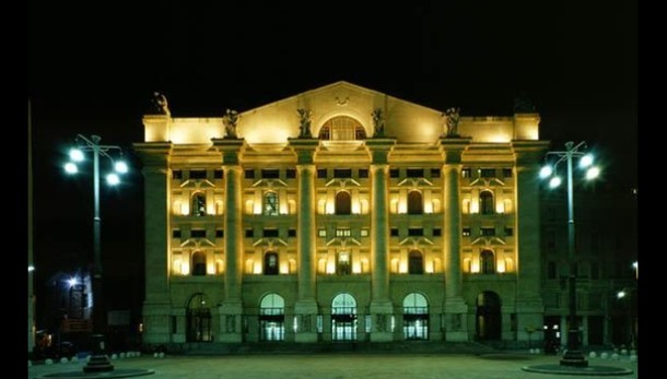 Borsa: Milano apre in rialzo, +0,3%
