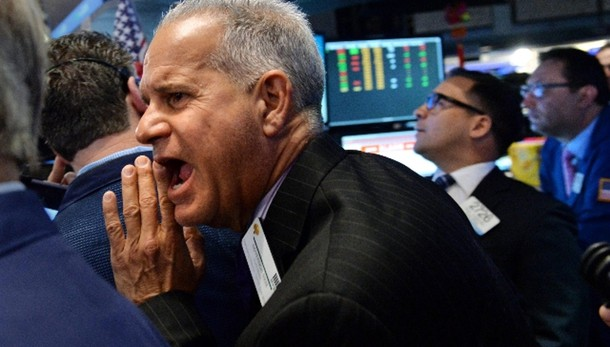 Borsa: Milano chiude in calo (-2,7%)