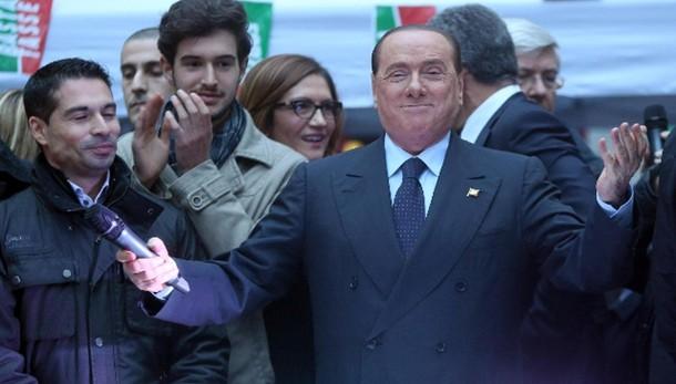 Berlusconi, sciogliere comune Roma