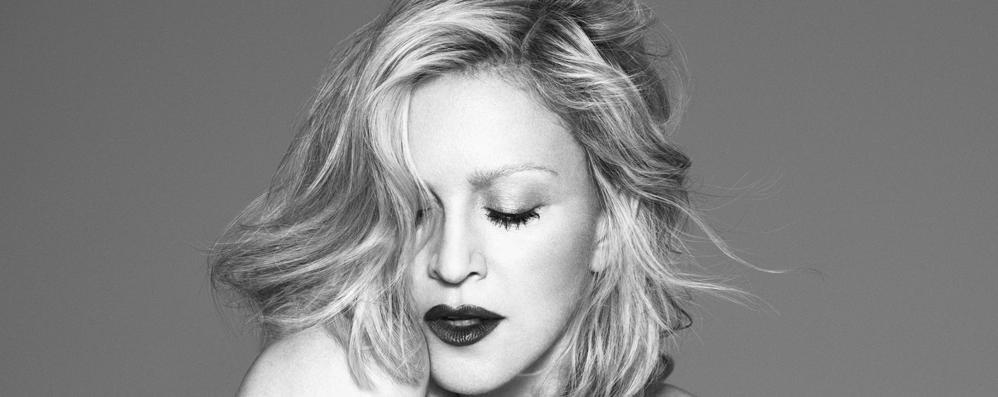 Madonna veste Versace A 56 anni testimonial iconica