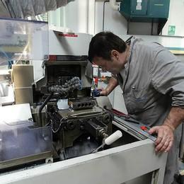 Produzione industriale in aumento  Aziende artigiane: lieve crescita