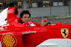 Dario Austoni su una Ferrari